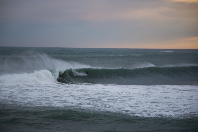 Speed run by an unidentified surfer on the morning of Day 4