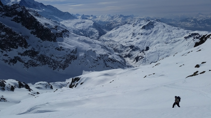The backcountry heaven behind Col du Crouches