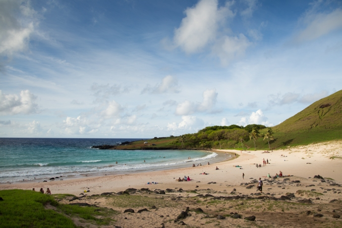 There are only 3 beaches on Rapa Nui and this one at Anakena is by far the largest.